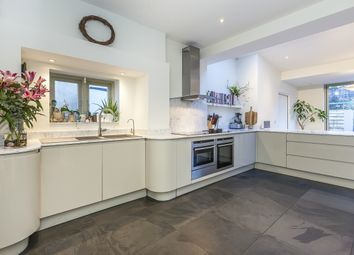 5 bed semi-detached house to rent in Fairfax Gardens, Whetstone Road, London SE3