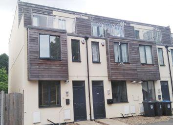 Thumbnail 3 bed property to rent in K D, Cotterells, Hemel Hempstead