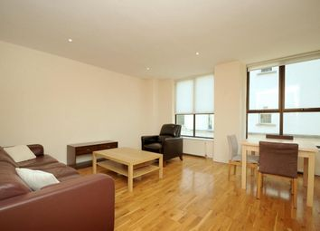 Thumbnail 1 bed flat to rent in Islington Green, Angel, London