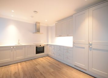 Thumbnail 2 bed flat to rent in Slough Road, Slough