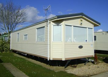 Thumbnail 2 bed mobile/park home to rent in Manor Road, Hayling Island