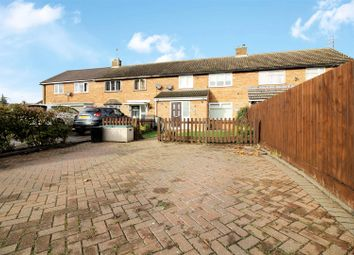 3 bed property for sale in Stonebridge Road, Aylesbury HP19
