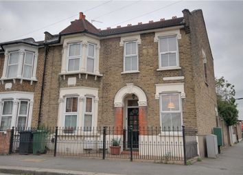 Pearcroft Road, London E11. 3 bed flat