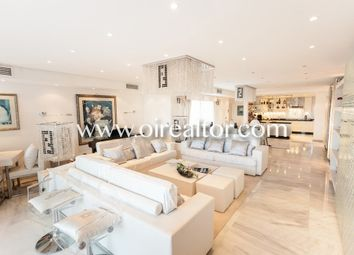 Thumbnail 4 bed apartment for sale in Puerto Banus, Marbella, Spain