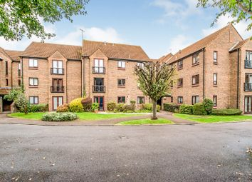 2 bed flat for sale in Halsey Road, Watford WD18