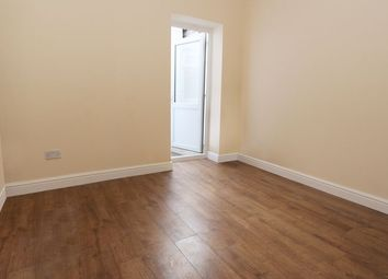 Thumbnail 1 bed flat to rent in Cricklewood Lane, London