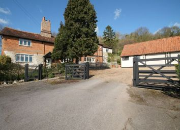 Thumbnail 5 bed detached house for sale in Castle Hill Road, Totternhoe, Bedfordshire