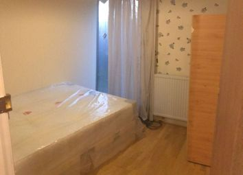 Thumbnail Room to rent in Broadfields Avenue, Edgware