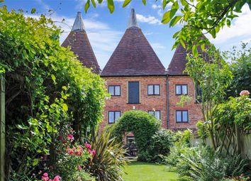 Thumbnail 4 bed property for sale in Oast Court, Yalding, Maidstone, Kent
