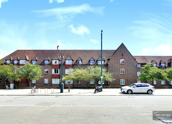 Birnbeck Court, Finchley Road, Temple Fortune, 6Bb, London NW11. 1 bed flat