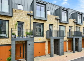 Thumbnail 4 bed town house to rent in Nicoll Circus, London NW7,