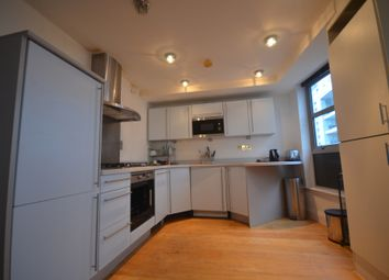 3 bed flat to rent in Meridian Point, Creek Road, Greenwich SE8