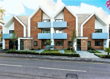 Thumbnail 2 bed flat to rent in Thamesbourne Mews, Station Road, Bourne End