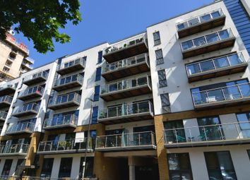 Thumbnail 1 bed flat for sale in Gwynne Road, Battersea