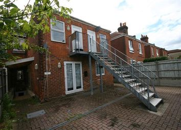 Thumbnail 3 bed maisonette to rent in Queens Road, Shirley, Southampton