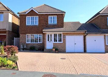 Seagrove Way, Seaford, East Sussex BN25. 3 bed link-detached house