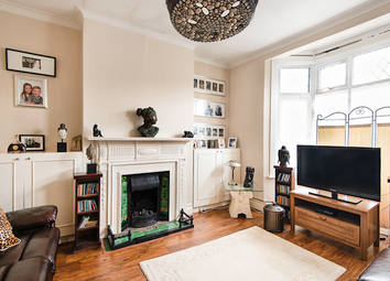 Brownhill Road, Catford SE6. 3 bed flat for sale