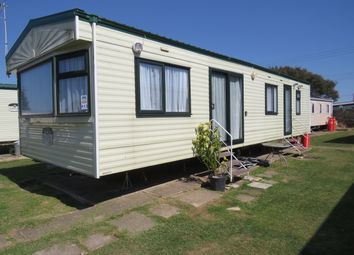 Thumbnail 2 bedroom mobile/park home for sale in Beach Road, Seawick