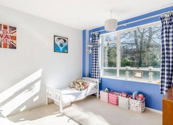 3 bed flat for sale in Frobisher Court, Dulwich, London SE23
