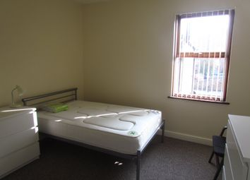 Thumbnail Room to rent in Henry Road, Gloucester, Gloucestershire