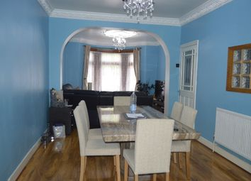 3 bed terraced house to rent in South Park Drive, Ilford IG3