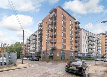 Thumbnail 2 bed flat for sale in Jupiter House, London, London