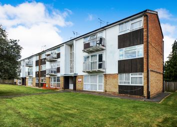 Thumbnail 2 bed flat for sale in Cookham Road, Maidenhead