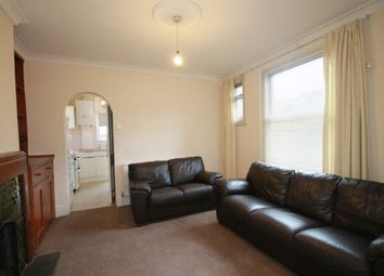 Thumbnail 2 bed flat to rent in Temple Road, London