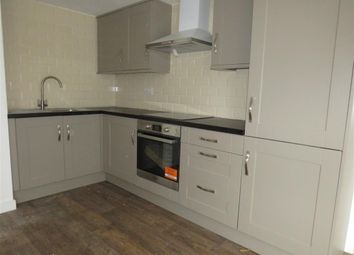 2 bed flat to rent in Birmingham Road, Warwick CV34