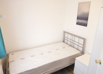 Thumbnail Room to rent in The Crescent, Slough