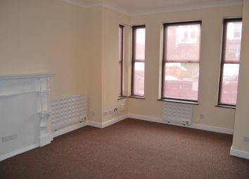Thumbnail 1 bed flat to rent in Broomfield Avenue, Palmers Green, London