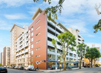 Thumbnail 1 bed flat to rent in Southgate Road, De Beauvoir, London