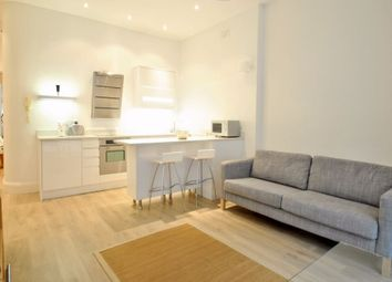 Thumbnail 1 bed flat to rent in Compayne Gardens, West Hampstead, London