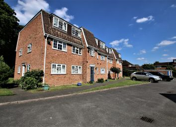 Thumbnail 2 bed flat to rent in London Road, Langley, Slough