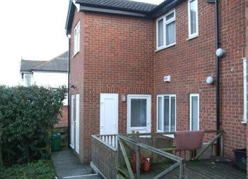 Thumbnail 1 bed flat to rent in Dashwood Avenue, High Wycombe