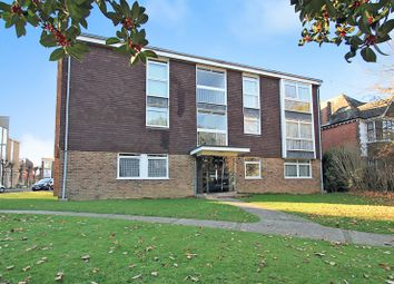 2 bed flat to rent in Dorchester Gardens, Grand Avenue, Worthing BN11