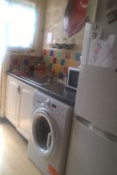 Thumbnail Room to rent in Hainault Avenue, Westcliff-On-Sea