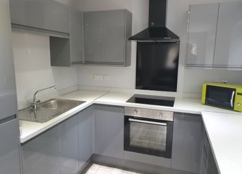 Thumbnail 5 bed flat to rent in Fletcher Road, Beeston, Nottingham