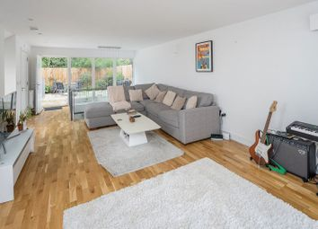 Thumbnail 3 bed property to rent in Clapham Court Terrace, Kings Avenue, London