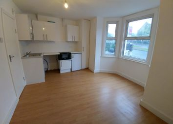 Thumbnail Room to rent in Southchurch Avenue, Southend-On-Sea