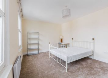 Thumbnail 3 bed flat to rent in Tottenham Road, Islington, London