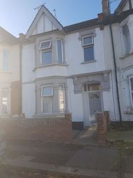 Thumbnail 1 bedroom property to rent in Beedell Avenue, Westcliff-On-Sea