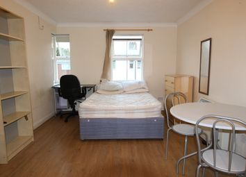 Thumbnail Room to rent in Woods Road, London