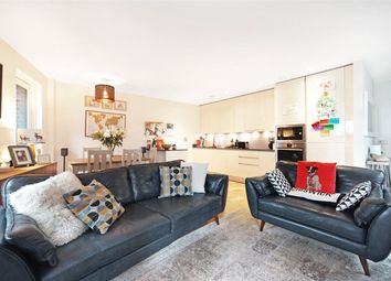3 bed flat for sale in Narrowboat Avenue, Brentford TW8