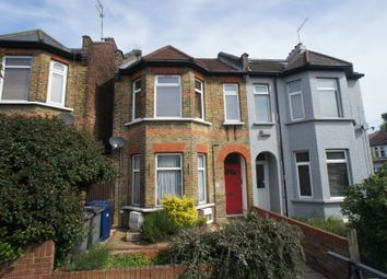 2 bed flat for sale in Castle Road, London N12