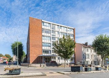 Goldstone Villas, Hove, Sussex BN3. 2 bed flat for sale