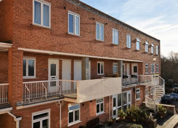 Thumbnail 2 bed flat for sale in Burkes Road, Beaconsfield