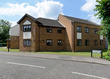 Thumbnail Barn conversion to rent in Rudsworth Close, Colnbrook, Slough