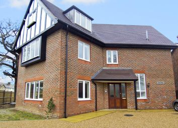 Thumbnail 2 bed flat to rent in Four Elms Road, Edenbridge