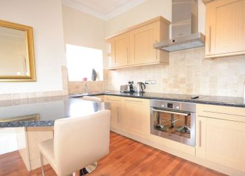 Thumbnail 2 bed flat to rent in Osborne Road, Windsor